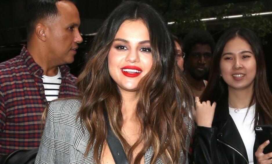 BRYTER TAUSHETEN: Den siste uken har det versert rykter om at Selena Gomez skal ha funnet kjærligheten. Nå svarer hun på ryktene. Foto: NTB scanpix