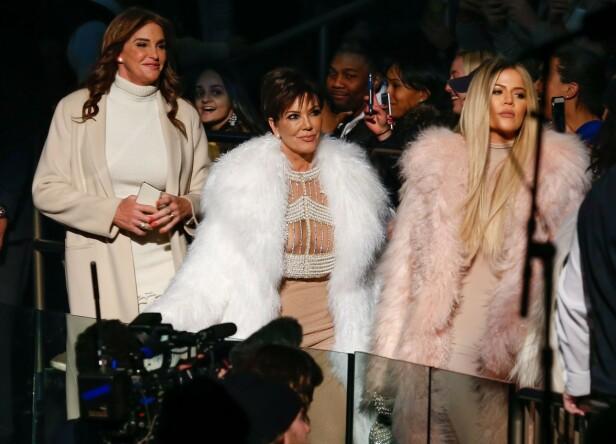 RYKTES OM ISFRONT: Ifølge flere kilder skal det være en konflikt mellom Khloé Kardashian og Caitlyn Jenner. Her er de avbildet sammen med Kris Jenner i 2016 under New York Fashion Week. Foto: NTB Scanpix