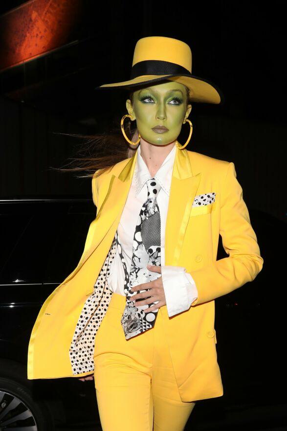 MASKEN: Supermodell Gigi Hadid som «Masken». Foto: NTB Scanpix