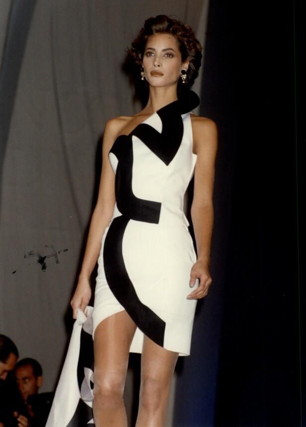 1989: Christy Turlington på catwalken 20 år gammel. Foto: NTB Scanpix
