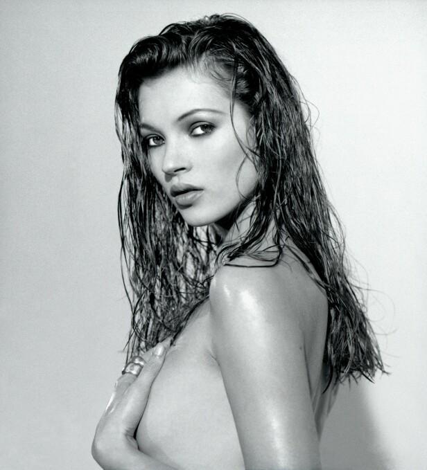 DRISTIG: Kate Moss har tatt en rekke dristige bilder opp gjennom årene. Her avbildet i 1992. Foto: Vic Singh/ Rex/ NTB Scanpix