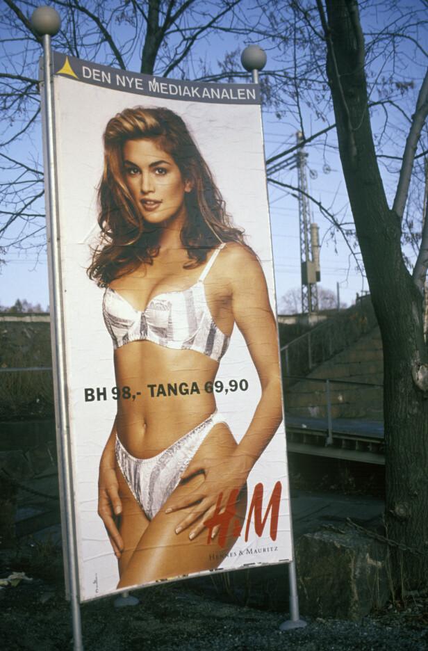 KJØRTE AV VEIEN: Dette er et av bildene i kampanjen som skal ha fått nordmenn til å kjøre av veien i 1991. Foto: NTB Scanpix