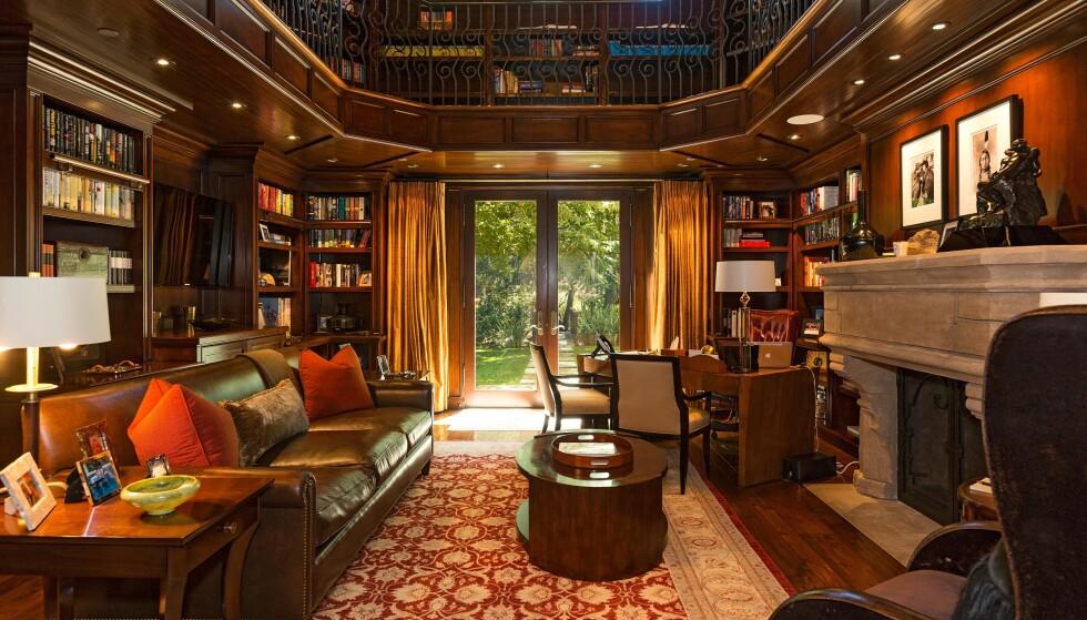 BIBLIOTEK: I en lunt og varmt rom som dette kan man la fantasien løpe med en god bok. Foto: NTB Scanpix