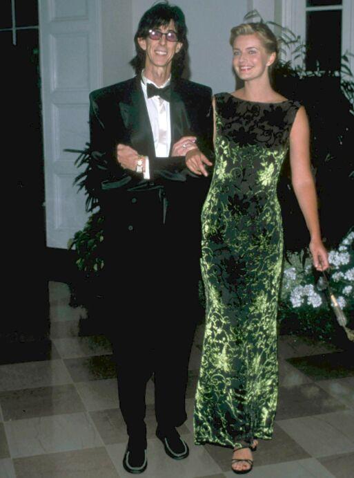 KJENT PAR: Tsjekkiske Paulina Porizkova var rockestjernas tredje kone. I fjor gikk de ut med at de skulle skille seg. Nå er det kjent at hun ikke får en eneste krone etter eksmannens død. Foto: NTB scanpix