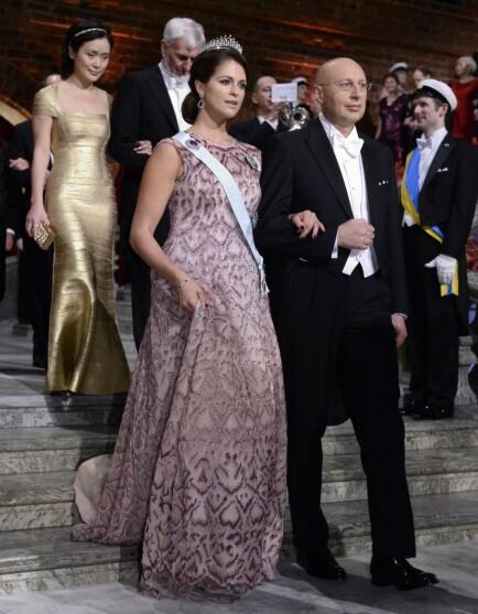 FRAVÆRENDE: De to siste årene har ikke Madeleine vært til stede under Nobelfesten, noe hun er blitt kritisert for. Her er hun avbildet under Nobelbanketten i 2014. Foto: NTB Scanpix