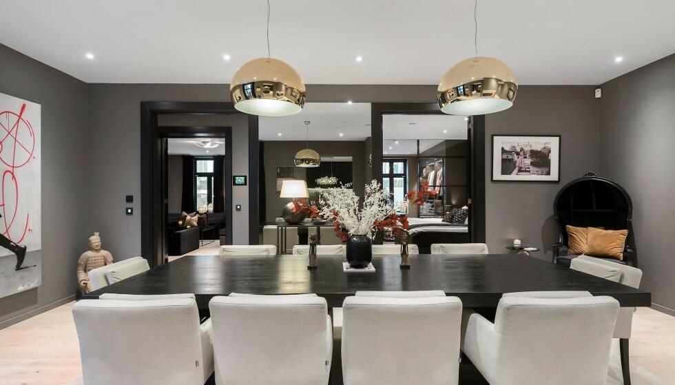 GOD PLASS: Katharina Andresen har den siste tiden delt den 192 kvadratmeter store leiligheten med sin samboer. Foto: Privatmegleren