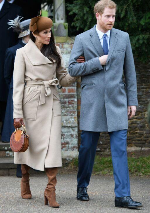 FØRSTE KONGELIGE JUL: Meghan fikk være med prins Harry på den kongelige julefeiringen også før de ble gift - i 2017. I år kan det tenkes de dropper juletradisjonen. Foto: Tim Rooke/ REX / NTB scanpix