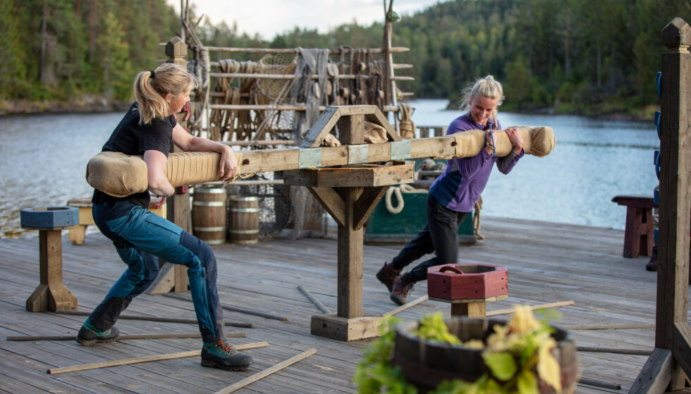 IKKE MERKBART PÅ TV: Agna Hollekve (47) har fått en ny uke på «Farmen»-gården etter at hun vant søndagens tvekamp mot 22 år gamle Marte Flobergseter. På dette tidspunktet hadde Hollekve allerede begynt å kjenne på helseplagene. Foto: TV 2