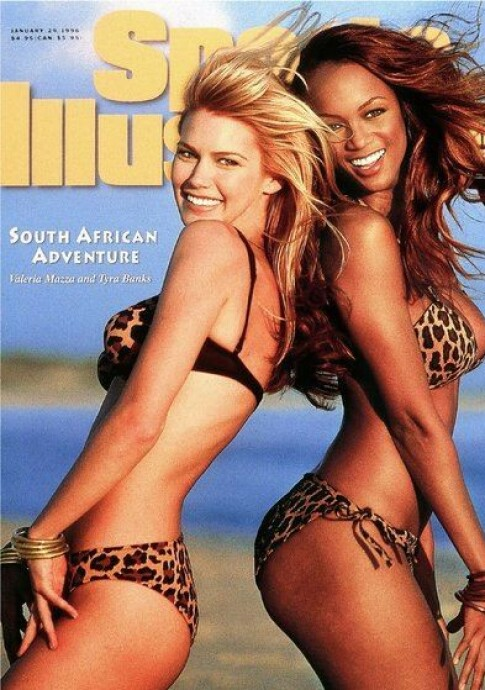 DEN GANG DA: Valeria Mazza og Tyra Banks på forsiden av Sports Illustrated sin badedtøy-utgave i 1996. Foto: Faksimile fra Sports Illustrated