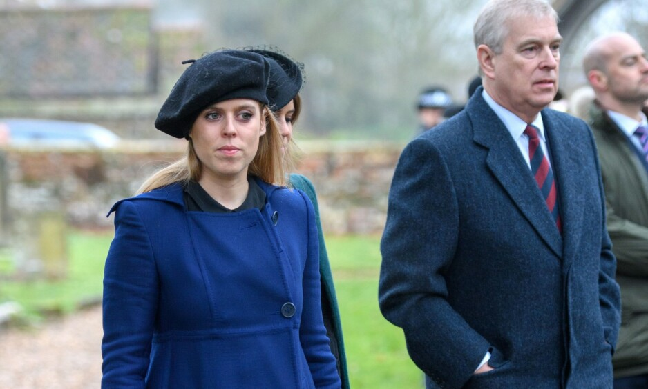 <strong>STOR PÅKJENNING:</strong> Prins Andrew (t.h.) har vært i hardt vær etter det mye omtalte BBC-intervjuet for litt over en uke siden. Nå skal eldstedatteren Beatrice (foran t.v.) være ødelagt og oppløst i tårer etter hendelsen. Foto: Tim Rooke/ Rex/ NTB Scanpix