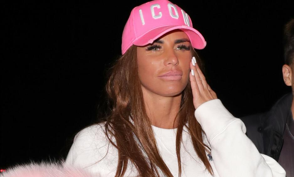 RAKA FANT: Katie Price, tidligere kjent som Jordan, er blitt slått konkurs. Det skjedde i London i ettermiddag. Foto: NTB scanpix