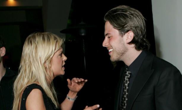 I 2005: Harry Morton avbildet i samtale med skuespiller Tara Reid. Foto: NTB scanpix