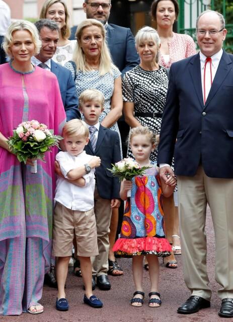 FAMILIE: Charlene avbildet med ektemannen og tvillingene i juli i år. Foto: NTB Scanpix