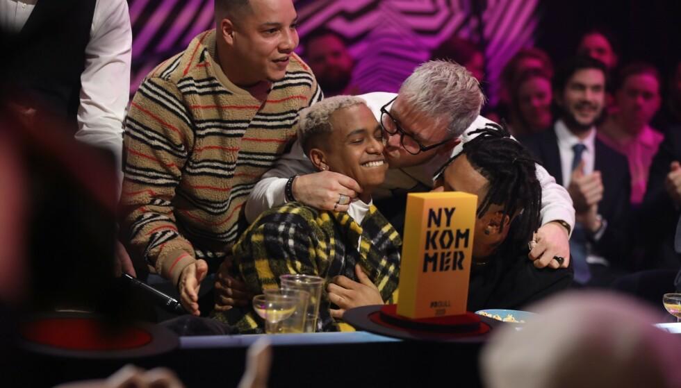NYKOMMER: Isah ble kåret til årets nykommer. Foto: Kim Erlandsen / NRK P3