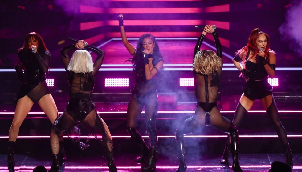 I HARDT VÆR: Nicole Scherzinger (midten) og resten av gruppa har måttet tåle krass kritikk etter lørdagens opptreden. Foto: NTB Scanpix