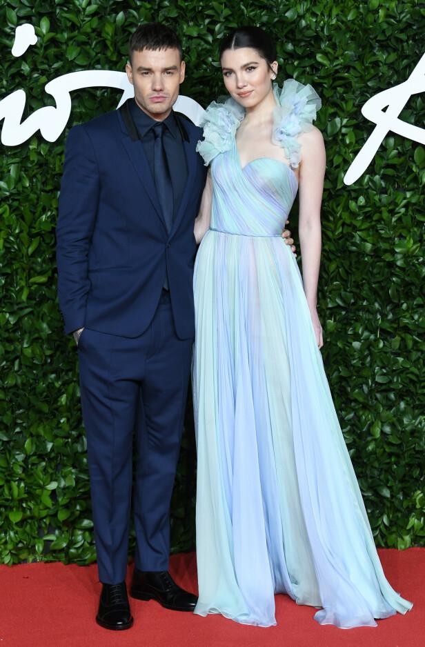 PAR: Liam Payne og Maya Henry bekreftet forholdet tidligere i høst. Mandag kveld kom de sammen på den røde løperen. Foto: NTB Scanpix
