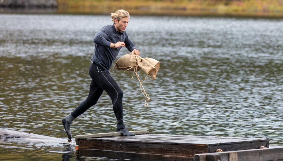 SEMIFINALIST: Tirsdag fikk Erik Rotihaug den første plassen i semifinalen, da han vant hinderløype-konkurransen. Foto: Alex Iversen / TV 2
