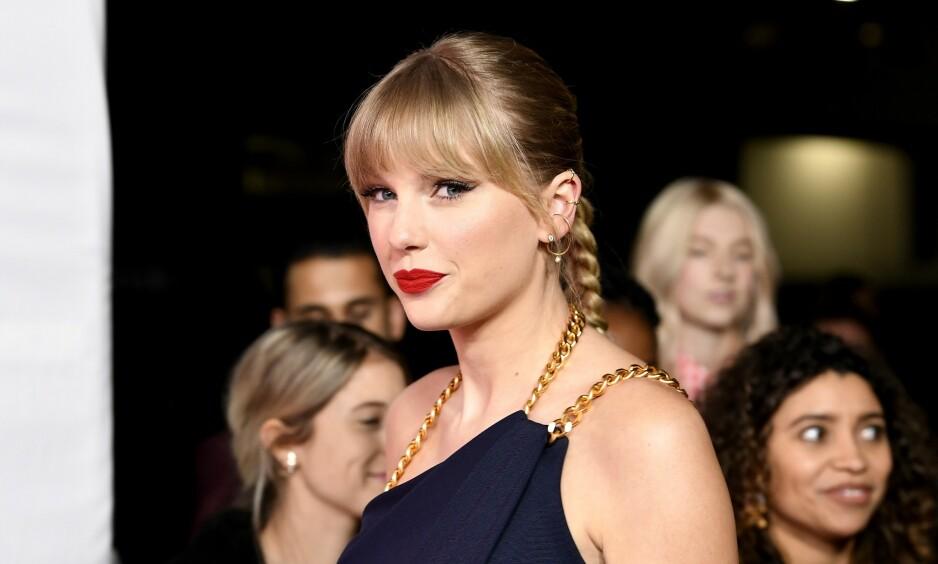 TORDNER: Taylor Swift (30) brukte takketalen på Billboard Women in Music»-utdelingen til å tordne mot musikkmanager Scooter Braun. Foto: NTB Scanpix