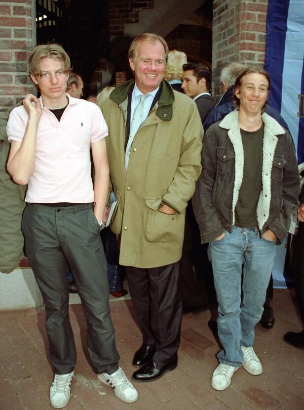 FAMILIEDYNASTI: Her er Nils Tham (t.v) sammen med sin onkel Stefan Persson og fetter Tom Persson i år 2000. Foto: Foto: Karin Törnblom / IBL / TT / NTB Scanpix