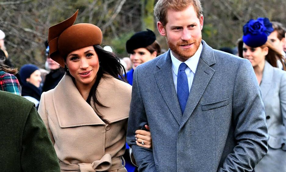 FØRSTE JUL: Prins Harry og hertuginne Meghan skal feire sin første jul som en familie på tre i år. Her er de derimot avbildet i Sandringham 25. desember 2017, det første året Meghan feiret jul med kongefamilien. Foto: Alan Davidson/ REX/ NTB scanpix
