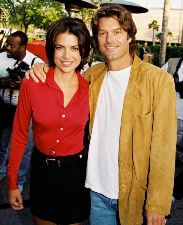 <strong>22 ÅR:</strong> Paret er et av få par i Hollywood som har vært gift i en årrekke. Her er de avbildet under en premiere i 1995. Foto: NTB Scanpix