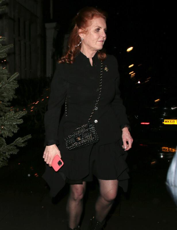 <strong>MOR:</strong> Prinsessens mor, hertuginne Sarah av York, var en selvskreven gjest på festen. Foto: NTB Scanpix