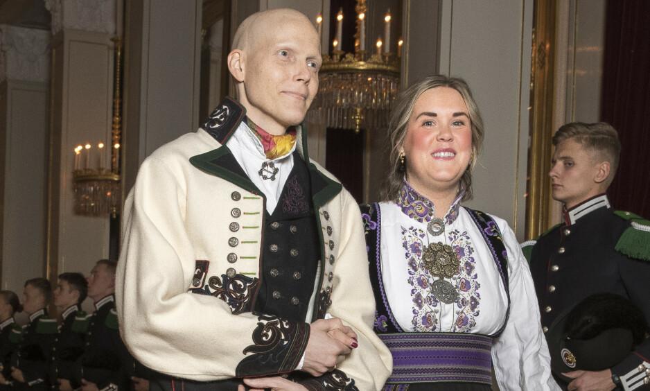 KREFTSYK: Bjørn Einar Romøren er snart ferdig med sin 40 uker lange kreftbehandling. Men først skal han feire jul med kona og barna. Foto: NTB Scanpix