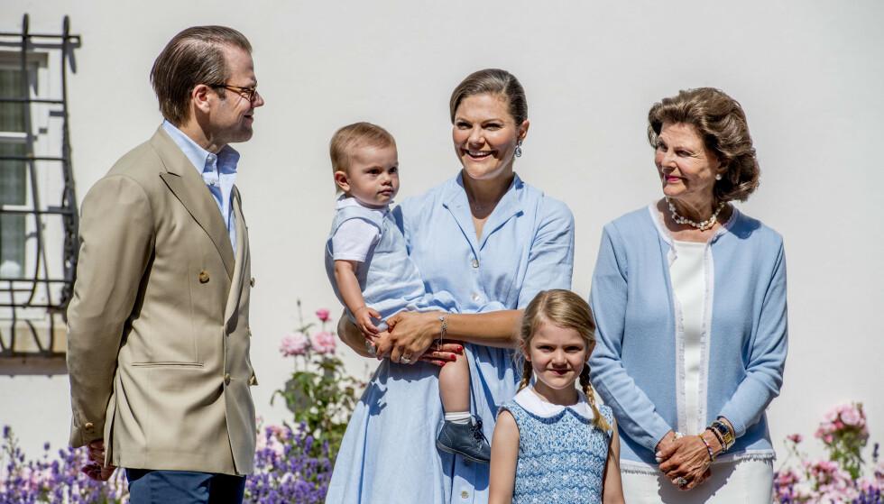 KLIMABEVISST: Daniel og Victorias datter spiser ifølge dronning Silvia ikke fisk. Hun skal ifølge bestemora være klar over all plasten fisken får i seg. Foto: NTB Scanpix