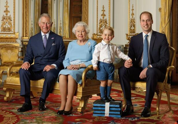 I 2016: I forbindelse med dronningens 90-års dag i 2016 offentliggjorde kongehuset også den gang bilder av de fire generasjonene sammen. Foto: NTB Scanpix