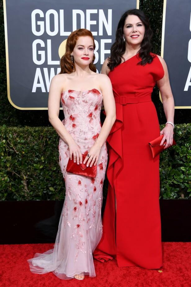 <strong>RØDE DETALJER:</strong> Jane Levy og Lauren Graham hadde begge valgt rødt som sitt uttrykk i natt. Foto: NTB Scanpix