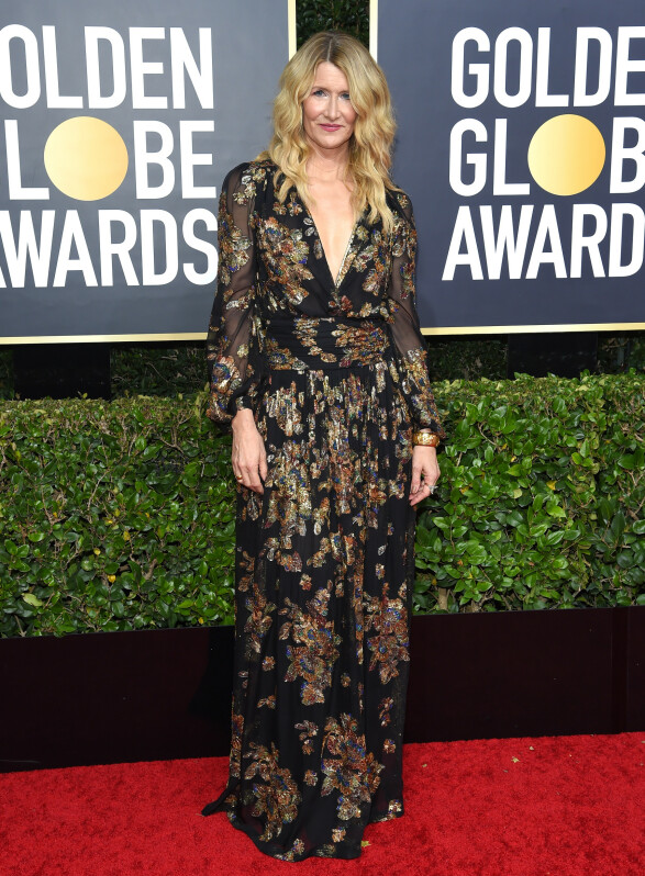 <strong>GYLLEN:</strong> Skuespiller Laura Dern i en bohemsk kreasjon på Golden Globe-løperen. Foto: NTB scanpix