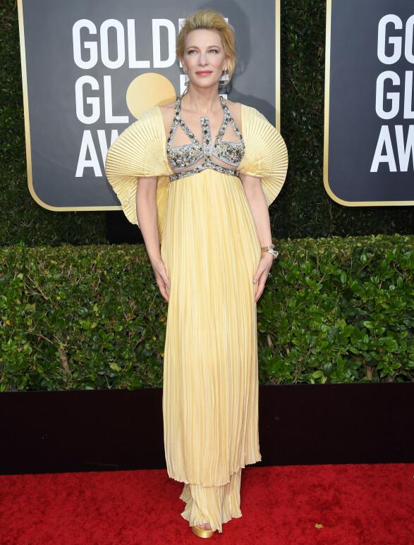 <strong>VÅGAL:</strong> Cate Blanchett viste hud i denne spesielle kjolen fra Mary Katrantzou på Golden Globe-løperen. Foto: NTB scanpix