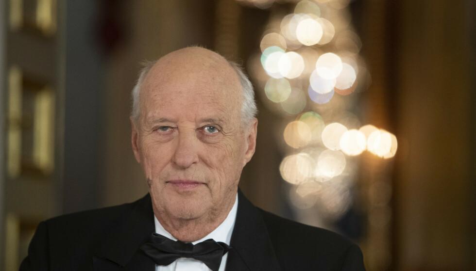 TALE: Kong Harald talte søndag kveld til det norske folk. Foto: NTB Scanpix