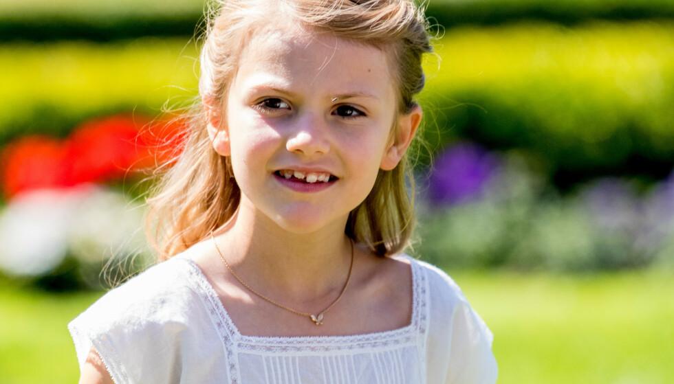 BENBRUDD: Prinsesse Estelle brakk nylig benet, men skal ifølge svenske medier være tilbake på skolen allerede. Foto: NTB Scanpix