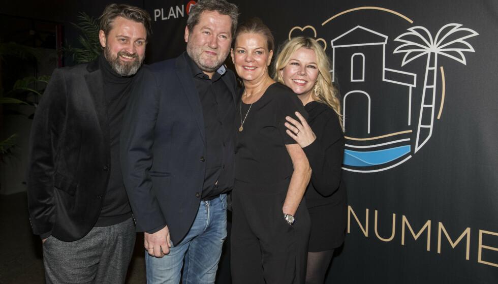 SMILER: Bjarne Brøndbo og kona Lise Greftegreff deltar også i serien, og var selvsagt på rød løper. Foto: Espen Solli / TV 2
