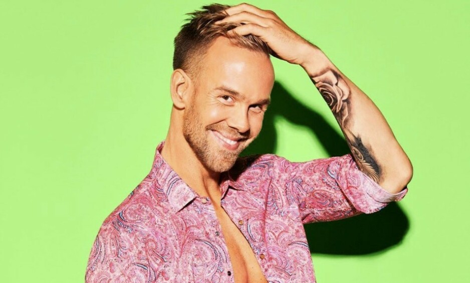 FERSK PROGRAMLEDER: VGTV-profil Morten Hegseth (33) leder årets sesong av realityprogrammet «Love Island», som spilles inn i Argentina. Foto: TV 2