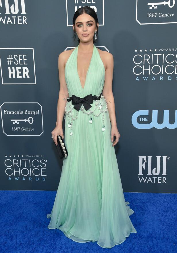 LUCY HALE: Skuespilleren dukket opp i en mintgrønn kjole med spennende detaljer. Foto: NTB Scanpix.