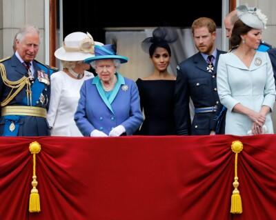 Image: Meghan ut mot kongefamilien