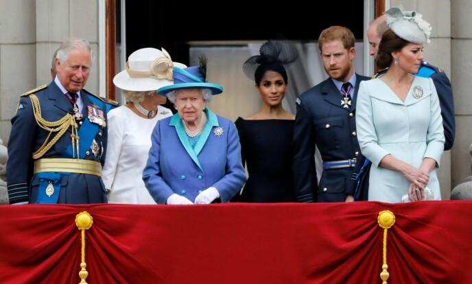 HARDT UT: Hertuginne Meghan retter relativt hard skyts mot kongefamilien i det ferske klippet fra CBS, uten å nevne spesifikke navn. Her med deler av kongefamilien og ektemannen i 2018. Foto: Tolga Akmen/ AFP/ NTB
