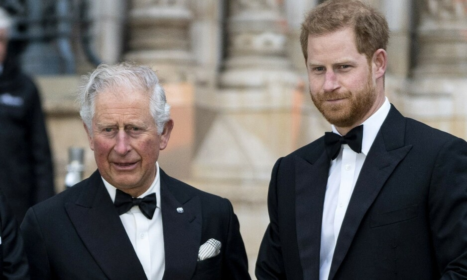 SÅRET: Prins Charles er angivelig såret av hertugparets beslutning om å trekke seg tilbake, da han skal ha ofret enorme summer for deres velvære. Foto: NTB Scanpix
