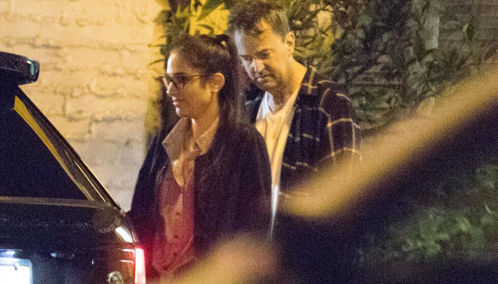PÅ RESTAURANT: Matthew Perry (50) ble avbildet sammen med Molly Hurwitz (28) i november. Foto: Mega/ NTB scanpix