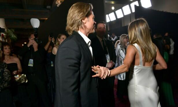 GJENFORENT: Brad Pitt og Jennifer Aniston ble natt til mandag gjenforent under SAG Awards. Foto: NTB Scanpix