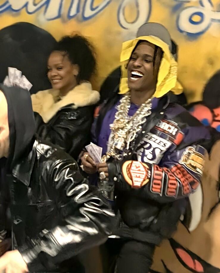 GOD TONE: Rihanna og ASAP Rocky så ut til å kose seg i hverandres selskap. Foto: NTB scanpix