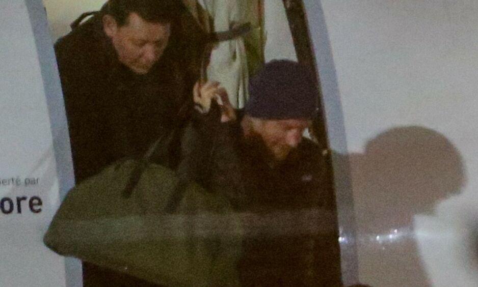 PÅ REISEFOT: Prins Harry reiste mandag kveld til Canada hvor hertuginne Meghan og parets sønn allerede befinner seg. Foto: NTB Scanpix