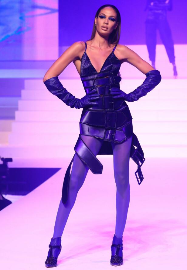 JOAN SMALLS: Supermodellen er takknemlig for at hun har fått gått for motedesigneren opp gjennom årene. Foto: NTB Scanpix