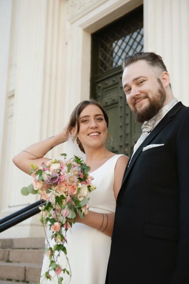 <strong>GRU-GLEDER SEG:</strong> Tina Camilla Kikut og ektemannen Bjørn-Harald Larsen Sønsthagen er spente på å se seg selv gifte seg på tv. Foto: TVNorge