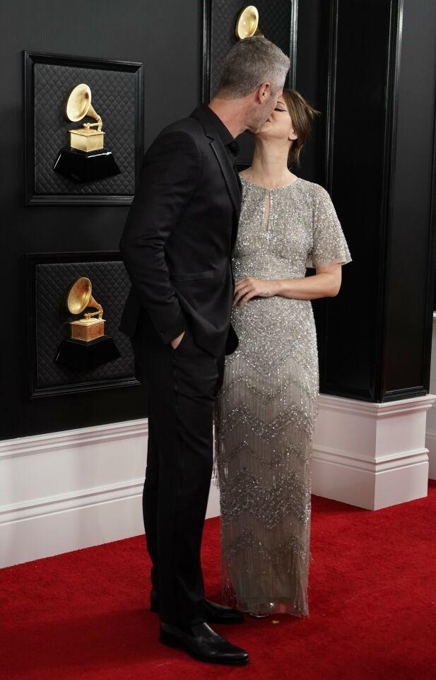 KLINTE TIL: Lana og Sean viste mer enn gjerne følelser på den røde løperen. Foto: NTB scanpix