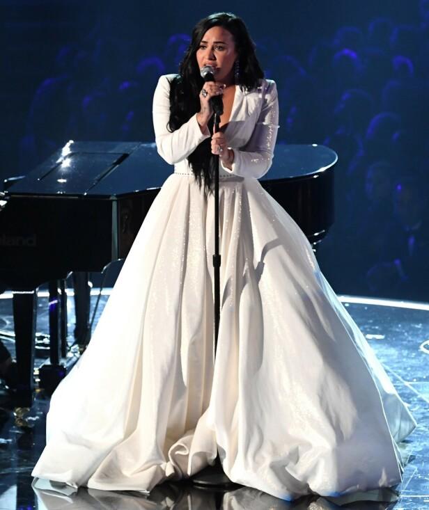 FANT GUD: Lovato forteller at religion har vært viktig for henne den siste tiden. Foto: NTB scanpix