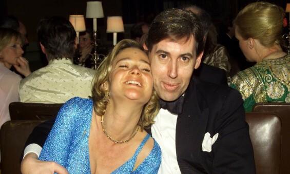 ARVING: Delphine Böel lå an til å arve store summer før det ble juridisk fastslått at det er Belgias tidligere konge som er hennes biologiske far. Her er hun sammen med en venn på feiringen av kinesisk nyttår på et palass i London i 2001. Foto: REX/ NTB scanpix
