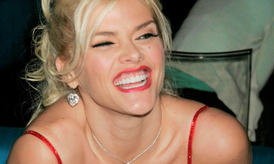 <strong>ELSKET OG HATET:</strong> Det er ingen tvil om at Anna Nicole Smith var en kontroversiell skikkelse i årene hun levde. Foto: NTB Scanpix